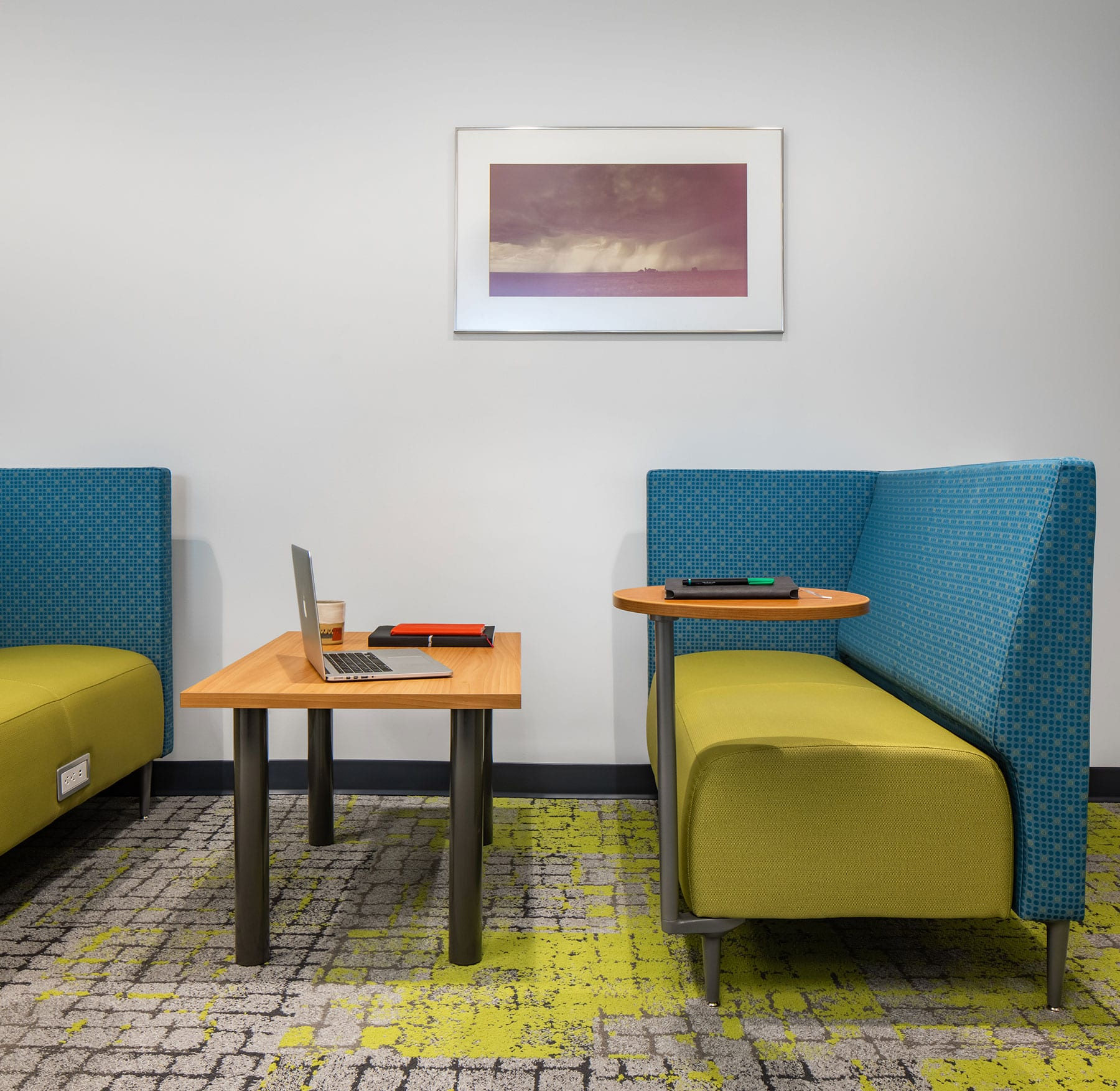 Flexible collaborative workspace for teamwork or activity-based working