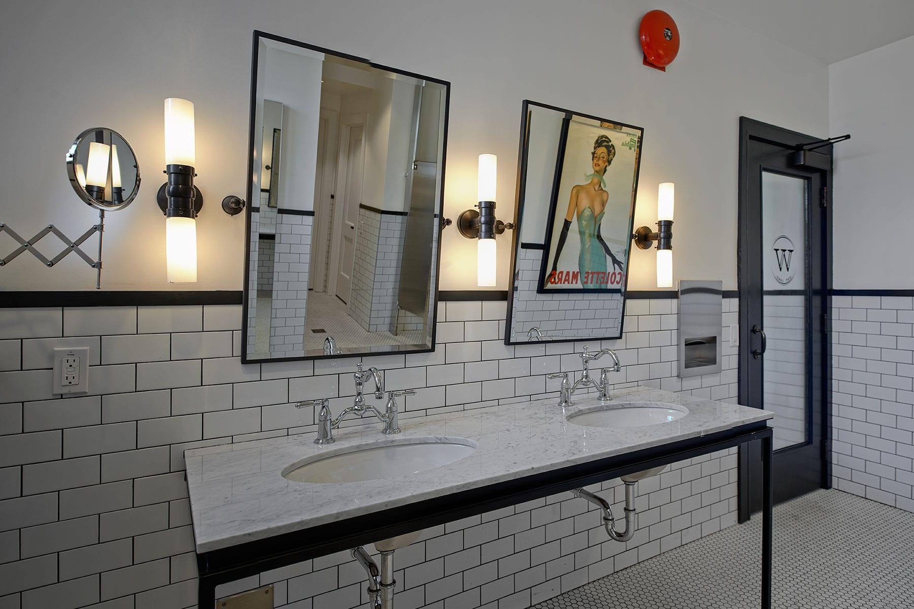 Earls head office washroom