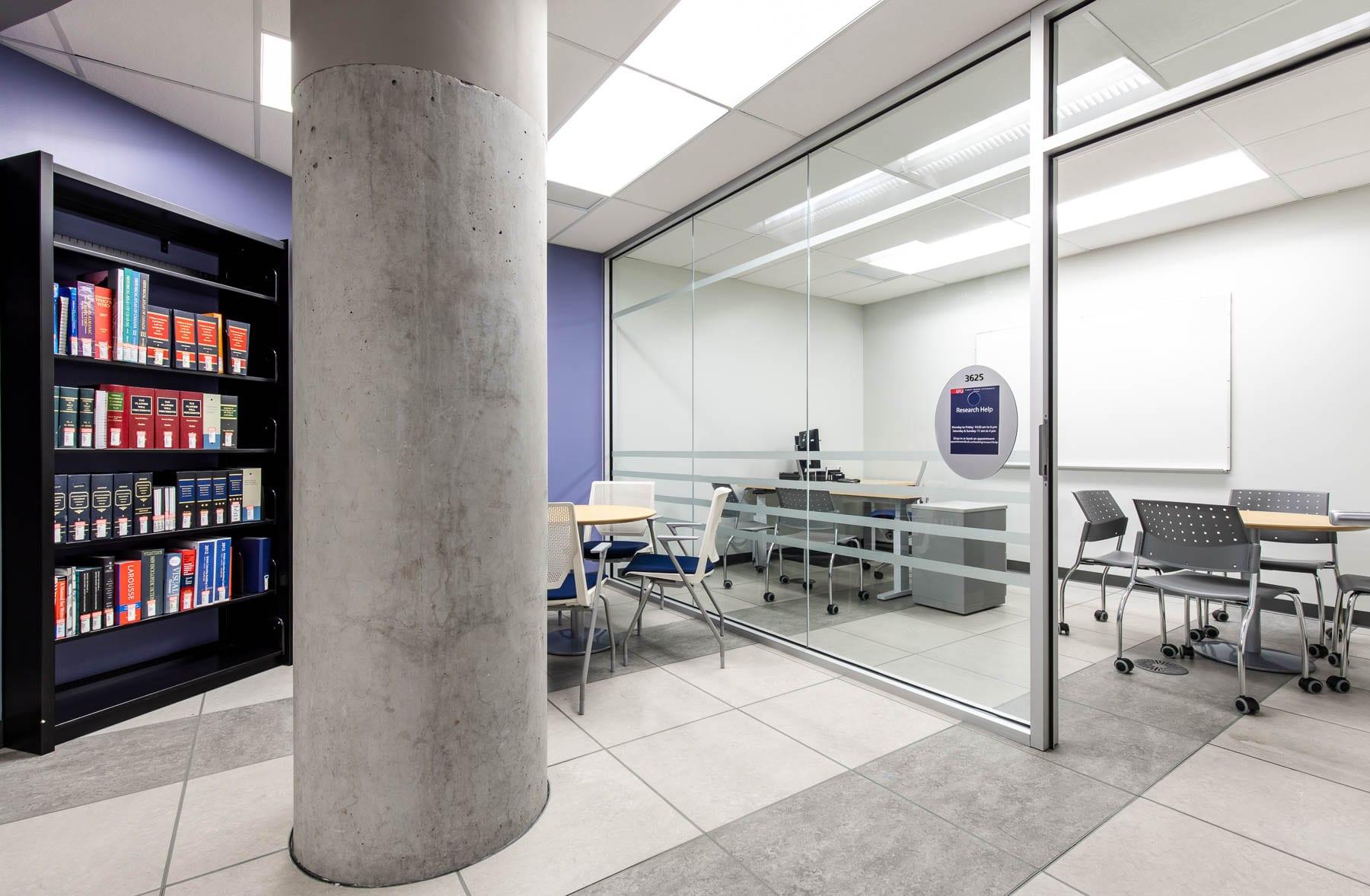 SFU – Fraser Library & IT Help Desk meeting room
